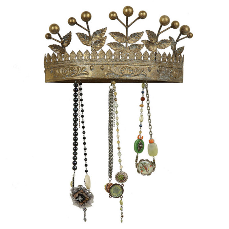 Creative Co-op Crown Plaque with Hooks