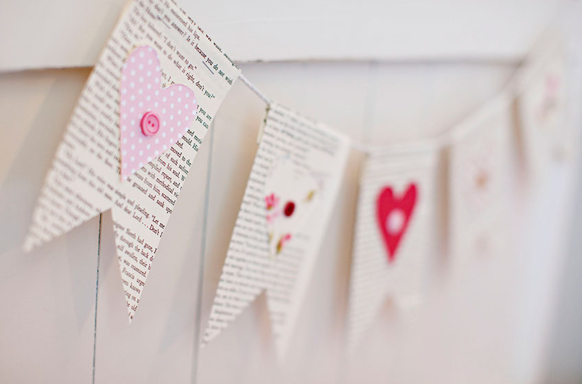 Galentine's Day DIY Invitations | Valentine's Day DIY Decor