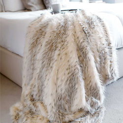 Luxury Faux Mink Throw Blankets & PIllows