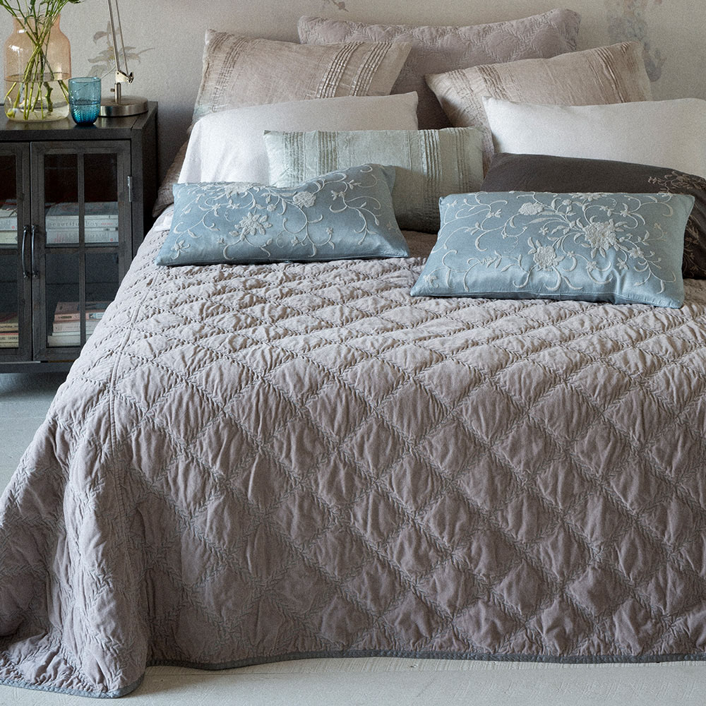 Awesome ... Bella Notte Marseille Fabric Collection : MSL26 Marseille Coverlet ...