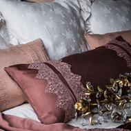 Bella Notte Linens Satin With Venice Lace Lumbar Pillow