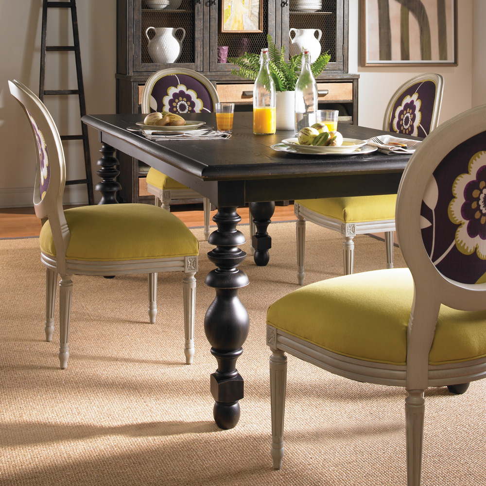 ... Vanguard Furniture Yates Dining Table ...