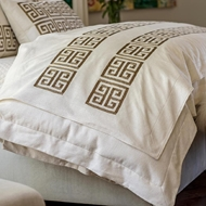 Lili Alessandra Guy Throw - Ivory Basketweave w/ Gold Metallic Embroidery LT447AIGL-E