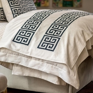 Lili Alessandra Guy Throw - Ivory Basketweave w/ Midnight Velvet Applique LT447AIMD-V